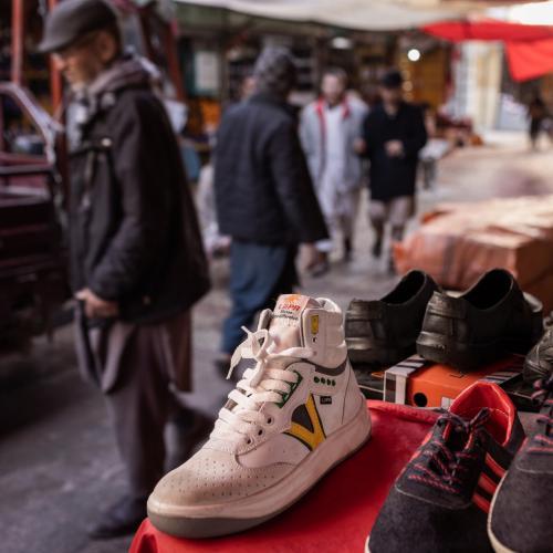 Sneakers Pasukan Taliban