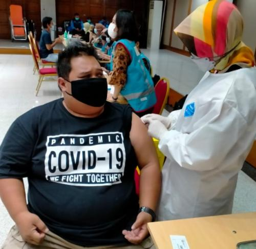 Vaksinasi covid-19. (Foto: Okezone)