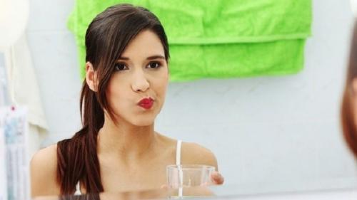 10 Cara Menghilangkan Karang Gigi