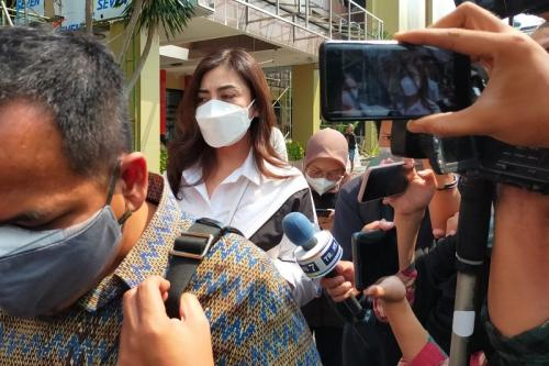 Dhena Devanka resmi gugat cerai Jonathan Frizzy. (Foto: MNC Portal Indonesia)