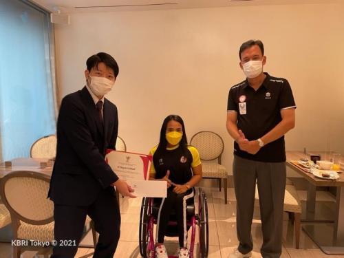 Widi dan Fadli ditemani KBRI Tokyo saat ingin pulang ke Indonesia
