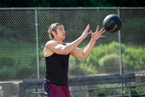 10 teknik dasar bola basket menangkap