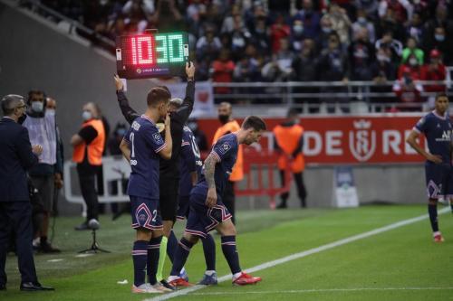 Momen debut Lionel Messi di PSG