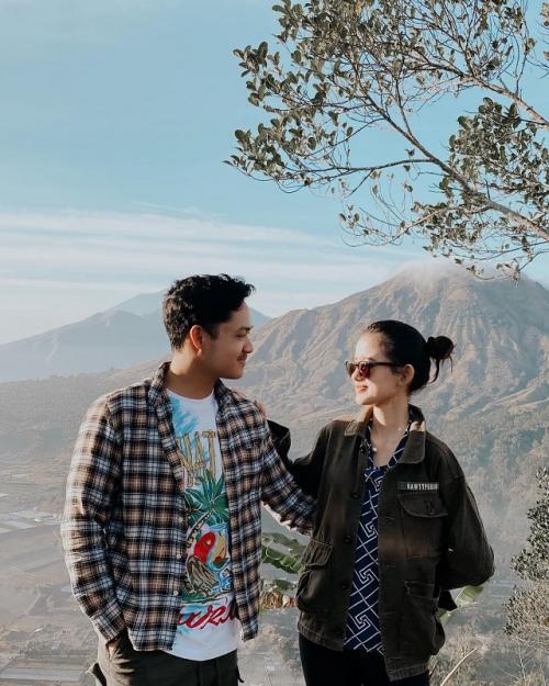 Azriel Hermansyah dan Sarah Menzel
