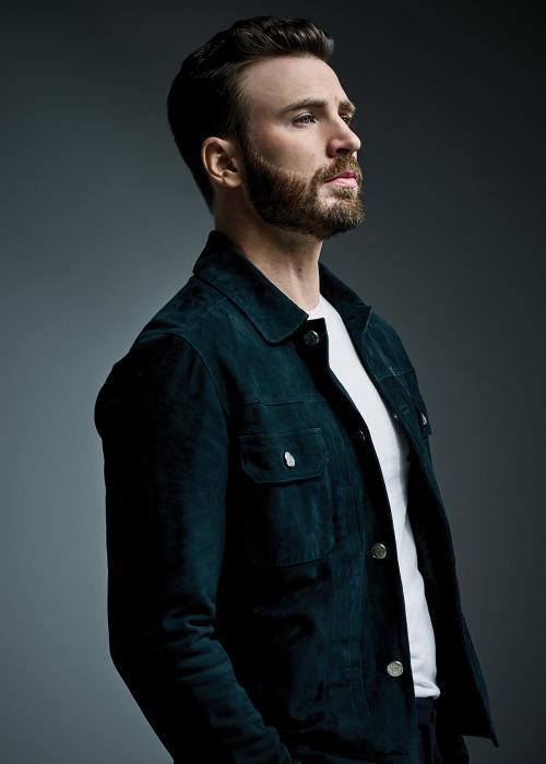 Chris Evans akan reuni dengan Scarlett Johansson dalam film Ghosted. (Foto: Variety)