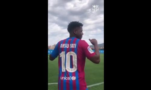 Ansu Fati warisi nomor 10 bekas Lionel Messi (Foto: Twitter/@FCBarcelona)