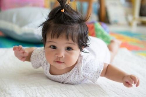 Ilustrasi nama anak perempuan Islami. (Foto: Shutterstock)