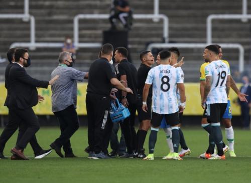 Laga Brasil vs Argentina ditunda (Foto: Reuters)