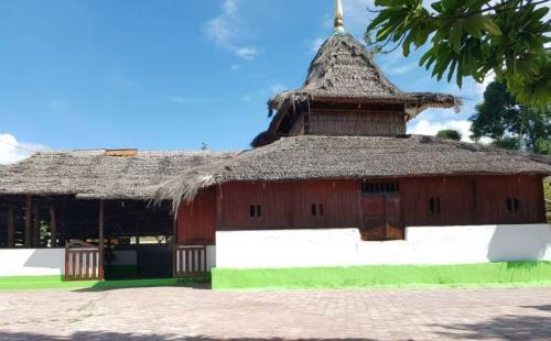 Masjid Wapauwe, Maluku Tengah