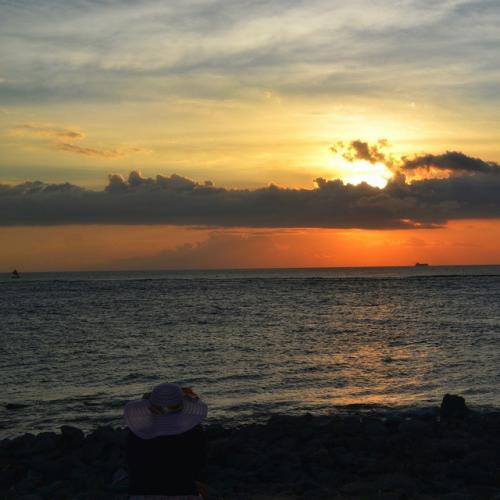 Sunset di Pantai Senggigi, Lombok