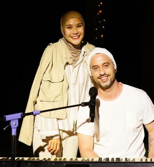 Zaskia Adya Mecca dan Dave Moffats