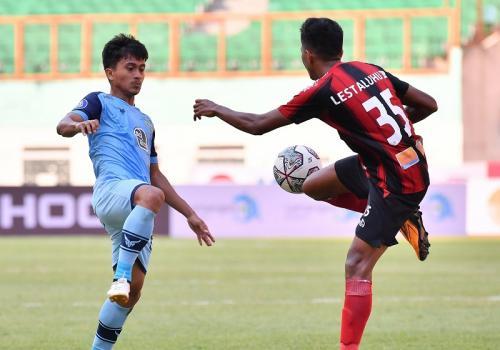 Persela Lamongan vs Persipura Jayapura
