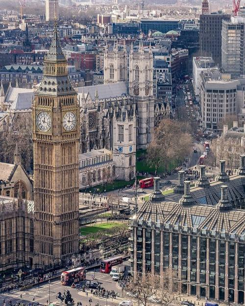 Big Ben di Inggris