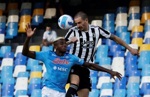 Leonardo Bonucci vs Napoli (Foto: Reuters)