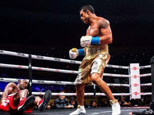 Vitor Belfort vs Evander Holyfield (Foto: Twitter/@BoxingGhana)