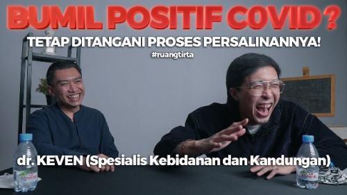 Dokter Keven Tali SpOG dan Dokter Tirta Mandira Hudi. (Foto: YouTube Tirta PengPengPeng)