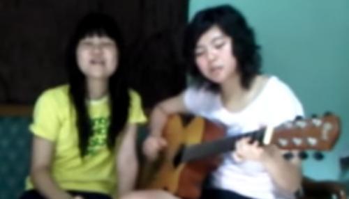 Greysia Polii main gitar (Foto: Youtube/Greysia Polii)