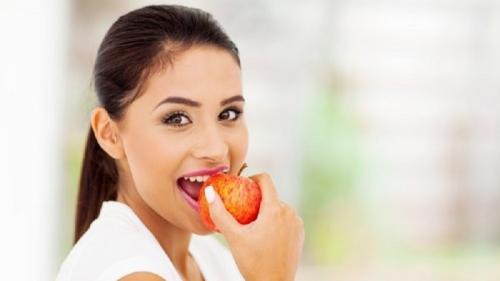 12 cara menghilangkan karang gigi yang sudah mengeras