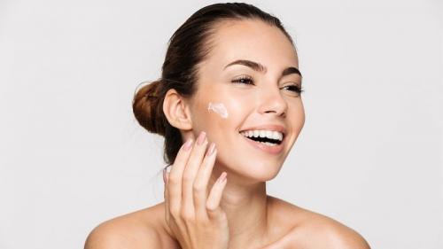 15 cara mengecilkan pori-pori wajah agar terlihat mulus