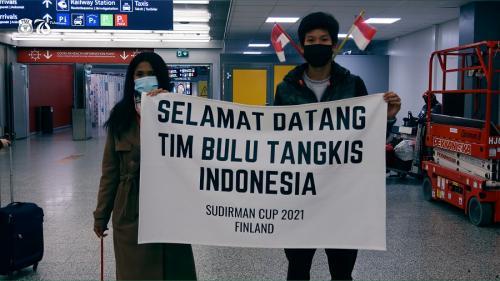 Tim Bulu Tangkis Indonesia disambut di Finlandia (Foto: Twitter/@INABadminton)