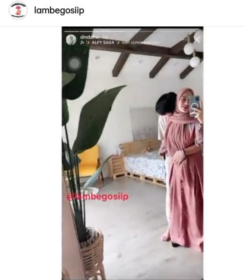 Rey Mbayang dan Dinda Hauw. (Foto: Instagram/@lambegosiip)