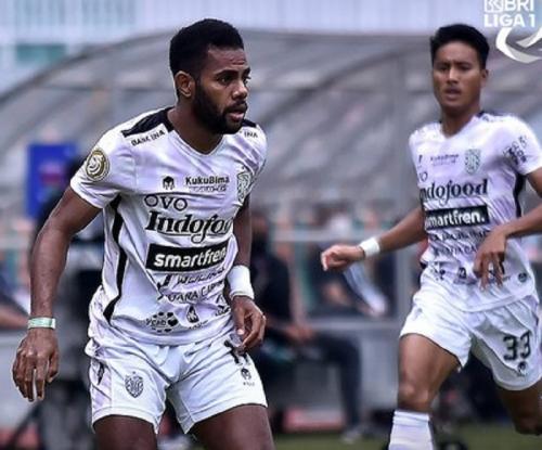 Persita Tangerang vs Bali United. Foto: Twitter/@liga1match