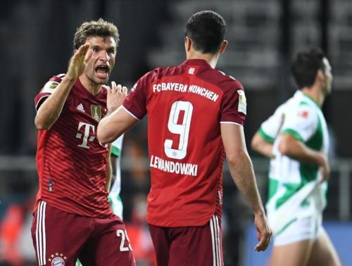 Laga Bayern Munich vs Dynamo Kiev di Liga Champions 2021-2022. Foto: Reuters
