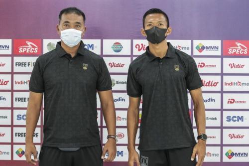 Pelatih Persis Solo, Eko Purdjianto dan kapten Persis Solo Eky Taufik
