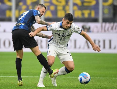 Laga Inter Milan vs Atalanta di Liga Italia 2021-2022. Foto: Reuters