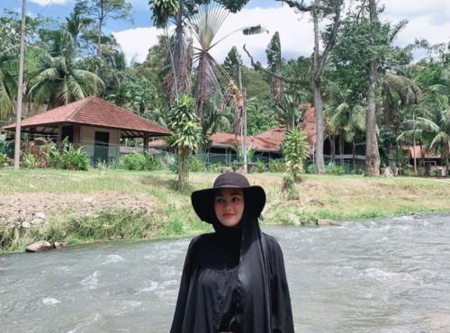 Pelancong di Kampung Janda Baik, Malaysia