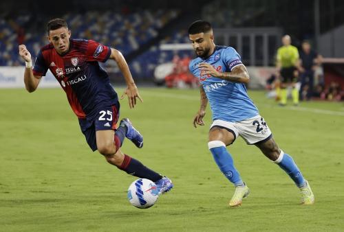 Laga Napoli vs Cagliari di Liga Italia 2021-2022. Foto: Reuters