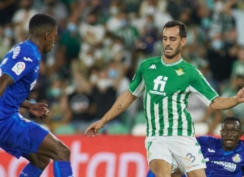 Laga Real Betis vs Getafe di Liga Spanyol 2021-2022. Foto: Reuters