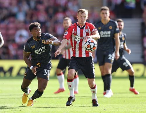 Laga Southampton vs Wolves di Liga Inggris 2021-2022. Foto: Reuters