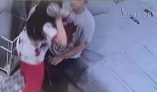 Benny Simanjuntak unggah bukti CCTV Dhena Devanka aniaya Jonathan Frizzy. (Foto: Instagram/@bennysimanjuntak_)