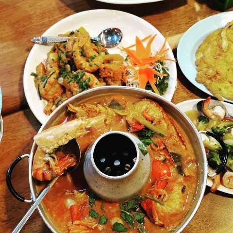 Kai Tod Decha Halal Restaurant Hat Yai Thailand. (Foto: Instagram @jasniee)