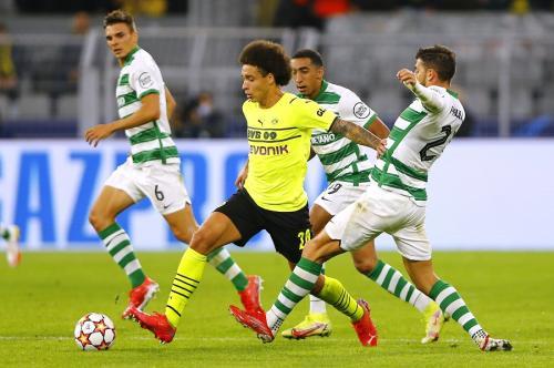 Axel Witsel vs Sporting Lisbon (Foto: Reuters)