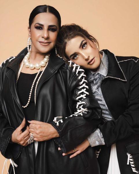 Alawiyah Alatas dan putrinya Tasya Farasya. (Foto: Instagram @tasyafarasya)