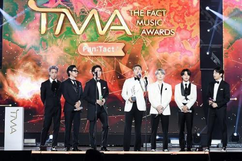 BTS borong lima trofi di The Fact Music Awards 2021. (Foto: Soompi)