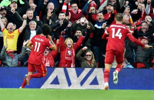 Laga Liverpool vs Manchester City di Liga Inggris 2021-2022. Foto: Reuters