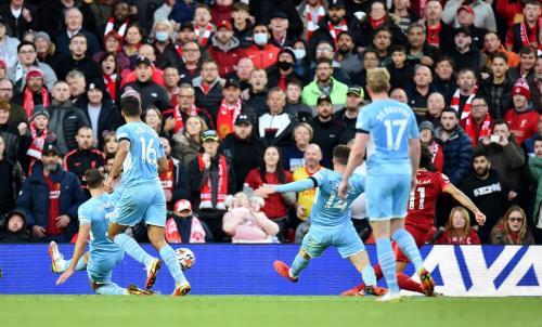 Mohamed Salah vs Man City (Foto: Reuters)