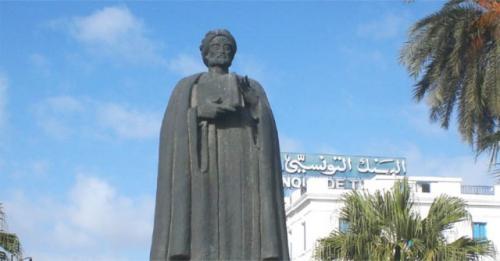Patung Ibnu Khaldun. (Foto: Islamcity)