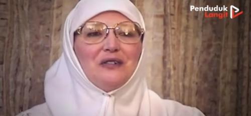 Kisah mualaf wanita Inggris Ruqaiyyah Waris Maqsood mantan pemuka agama. (Foto: YouTube Penduduk Langit)