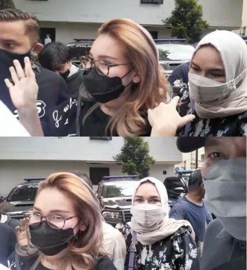 Ayu Ting Ting dampingi kedua orangtuanya menjalani pemeriksaan di Polda Metro Jaya, pada 12 Oktober 2021. (Foto: MNC Portal Indonesia)