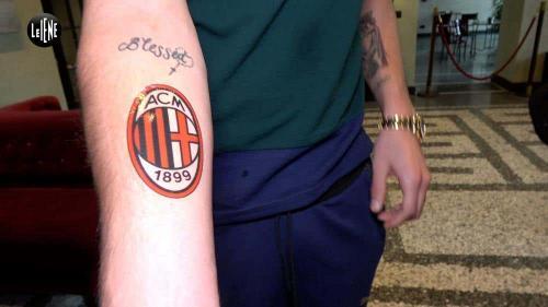 Gianluigi Donnarumma buat tato Milan di tangan