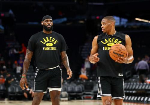 LeBron James bersama Westbrook