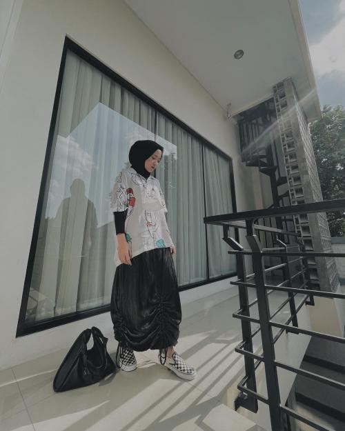 OOTD Hijab Kasual ala Nissa Sabyan